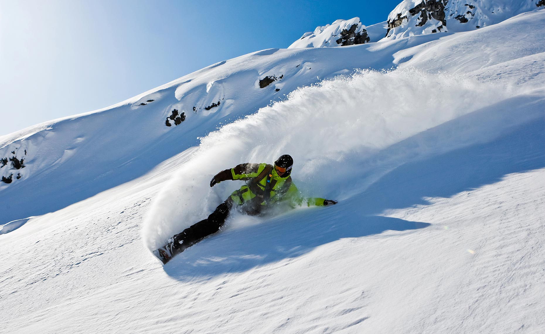 13_Josh_Dirksen_CMH_Heliboarding_Powder_Snowboarding_Chris_Wellhausen_Photography.JPG