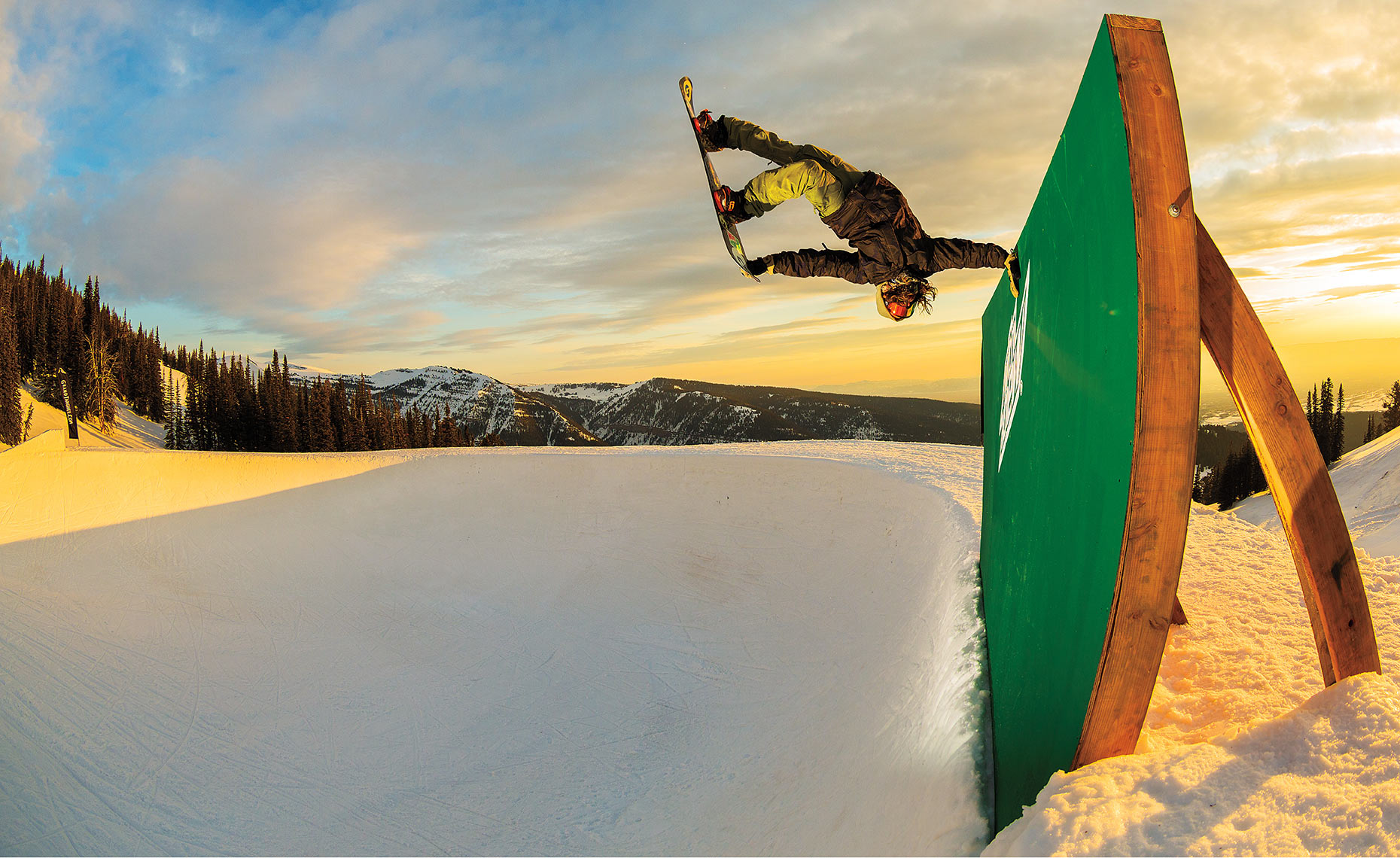 Snowboarding_Danny_Davis_Peace_Park_Grand_Targee_Wyoming_Chris_Wellhausen_01